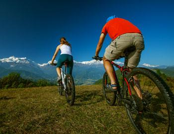Family biking in Mammoth Lakes, CA