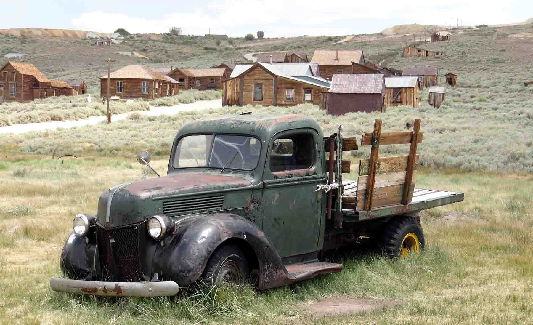 Abandoned truck at Bodie State Historic Park
