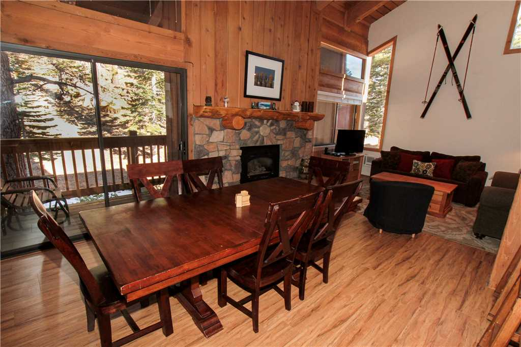 Beautiful interior of a vacation rental in Mammoth
